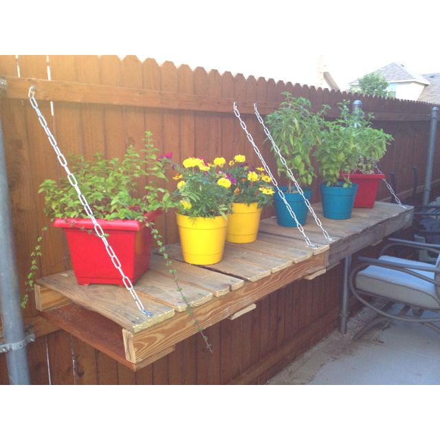 pallets for outdoor shelf - neat!!