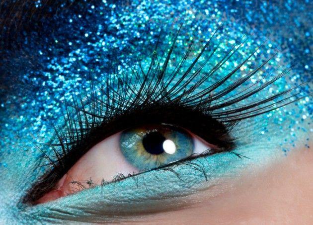 Removedor de maquiagem caseiro: http://www.outramedicina.com/1024/removedor-de-maquiagem-caseiro