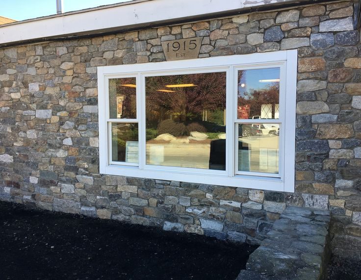 Explore colors and patterns of thin stone veneer and applications options.