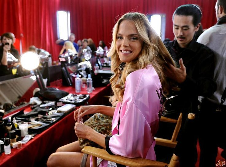 Victoria Secret Hair How-To