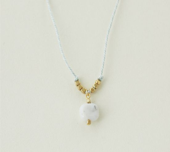 Kumihimo necklace with micocoro stone : small ― Kumihimo : plendor of the Kyoto dynasty during the Heian period. Quality silk is woven carefully into a beautiful braid by experienced artisans of Kyoto.
