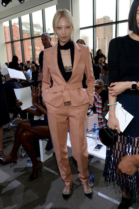 Idei de ținute inspirate din culisele show-urilor de modă din cadrul Săptămânii de Modă de la New York 2016 | Revista Civilizatia