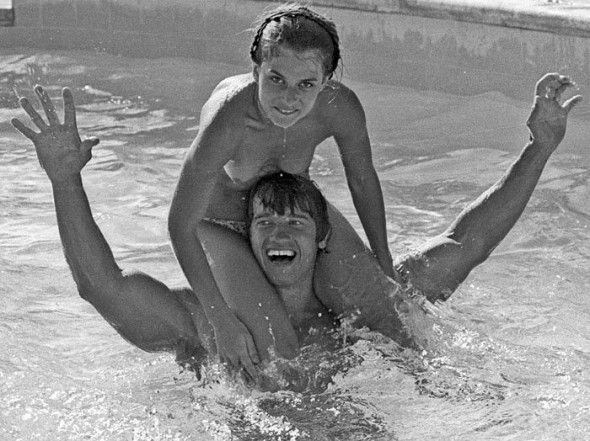 Arnold Schwarzenegger a patnáctiletá Nastassja Kinski (1976).