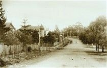 Pacific Highway in Wahroonga in the Upper North Shore of Sydney in 1900.Abbotsleigh School at the left of photo.