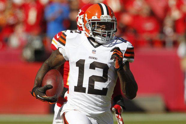 Cleveland Browns do not trade Josh Gordon before deadline - http://sports.yahoo.com/news/cleveland-browns-not-trade-josh-gordon-deadline-203000153--nfl.html