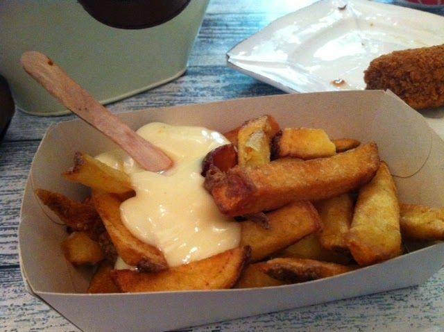 Organic snackbar Natuurlijk Smullen offers gluten-free french fries and snacks! Bij de biologische snackbar Natuurlijk smullen kun je glutenvrije patat met Mayo en een glutenvrije kroket of frikandel krijgen!