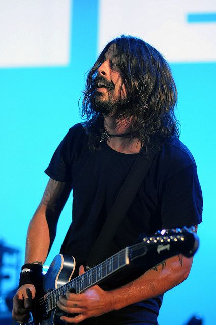 Can never have too many picts of Dave Grohl (imho)
