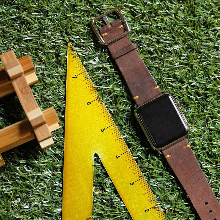 """Meridio (@meridioband) su Instagram: """"⌚Unique treatment and style with little details that make a difference: #Oldbrown apple watch strap…""""  Visit www.meridioband.com   #applewatch  #applewatchband #leather #madeinitaly #handcrafted"""