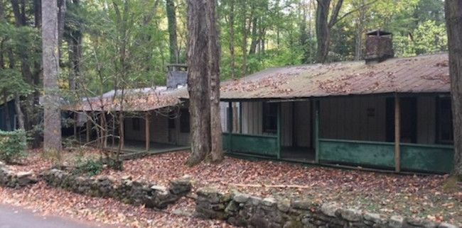 Hiker discovers abandoned town inside Tennessee's Great Smoky Mountains National Park
