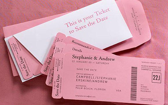"""""""Save the Date!"""" é um tipo de lembrete que você pode mandar para os convidados antes do convite oficial. Assim, toda a galera é avisada com antecedência e já reserva a data para a sua festa."""