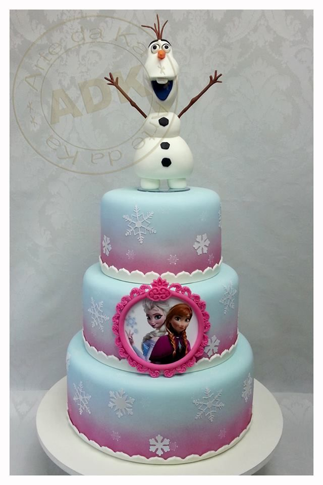 Disney Frozen Cake