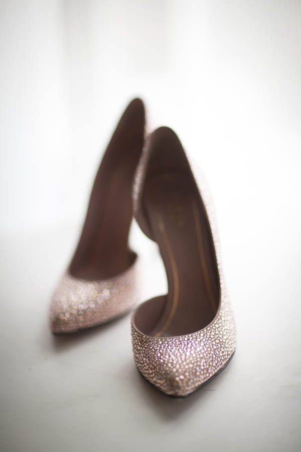 Dusty rose Gucci wedding heels (Miki and Sonja Photography)