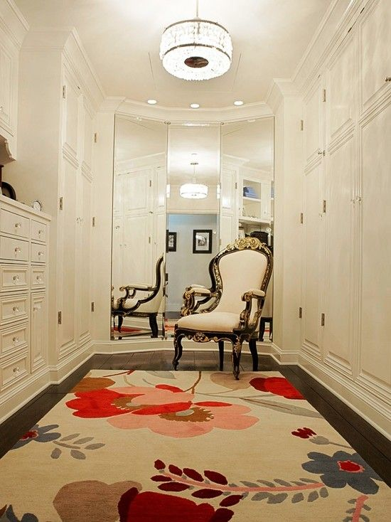 Pretty Rug On Walk In Closet Floor Mirror Makes The Space Larger What A Luxury To Have Room For Chair