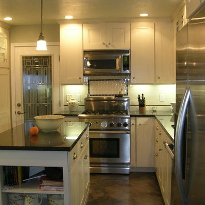Island in small kitchen design pictures remodel decor for 5 x 20 kitchen ideas
