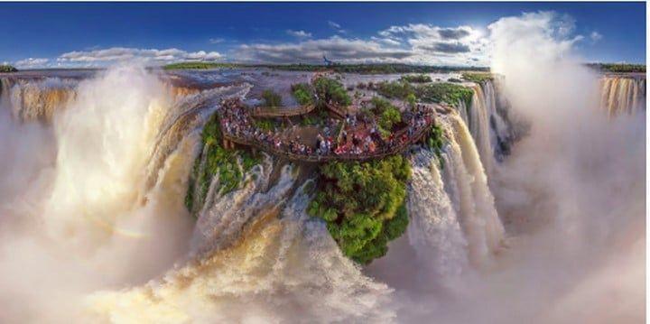 Les chutes d'Iguazu à la frontière entre l'Argentine et le Brésil
