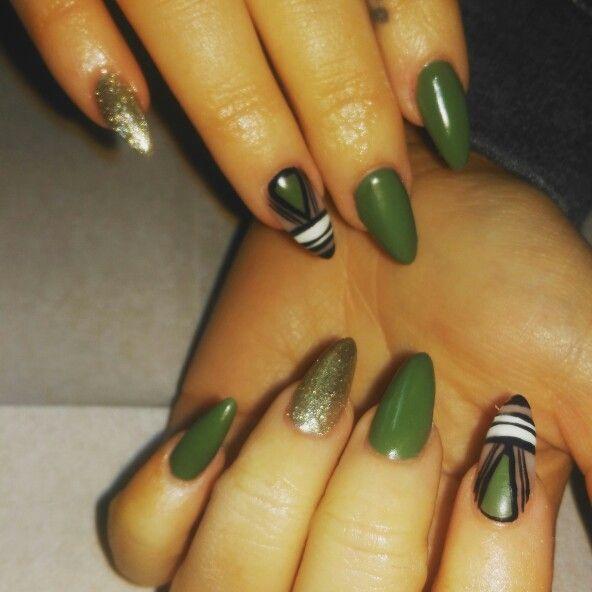 Green nails