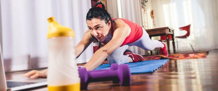 7 exercícios de glúteos, abdominal e pernas para fazer em casa