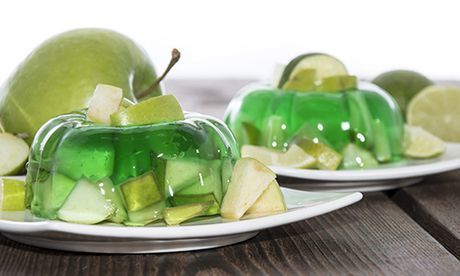 White wine jelly with little pieces of apple