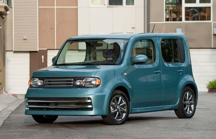 2018 Nissan Cube overview