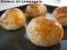 Petits pains au yogourt vite faits en dépanage, et très bons. Fait en une heure !