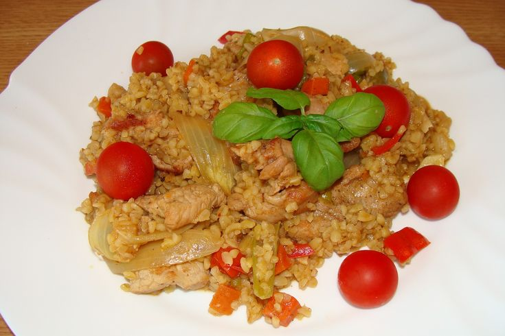 bulgur s vepř.nebo kuř masem a zeleninou