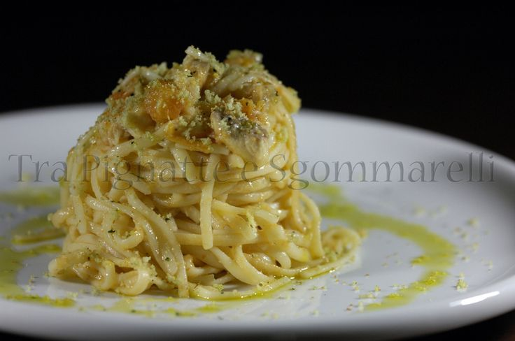 Le mie ricette - Linguine con pomodori Marinda, coda di rospo e mollica di pane al prezzemolo | Tra Pignatte e Sgommarelli