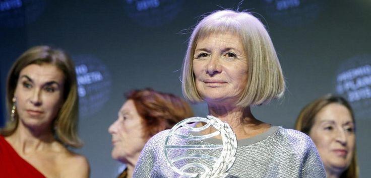Alicia Giménez Bartlett gana el Premio Planeta - http://www.todoereaders.com/alicia-gimenez-bartlett-gana-el-premio-planeta.html