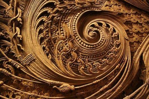 3 August, 2012 / Source: mellebulleTagged:  architectural details   Petit Cabinet de Curiosites