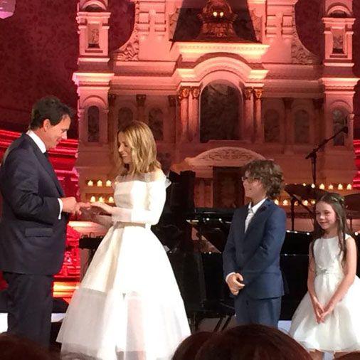 Julie Snyder et Pierre Karl Péladeau se disent «oui»....Le maire de Québec Régis Labeaume déclare Pierre Karl Péladeau et Julie Snyder unis par les liens du mariage.