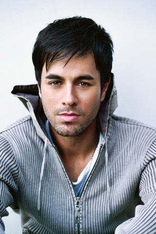 Enrique Iglesias, loved him from the start, and still do, looks 3x better in person ;) ♡♥♡♥
