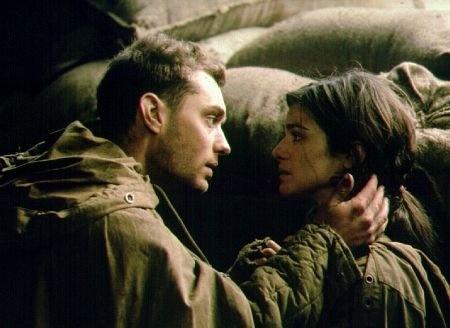 Jude Law and Rachel Weisz in Enemigo a las puertas