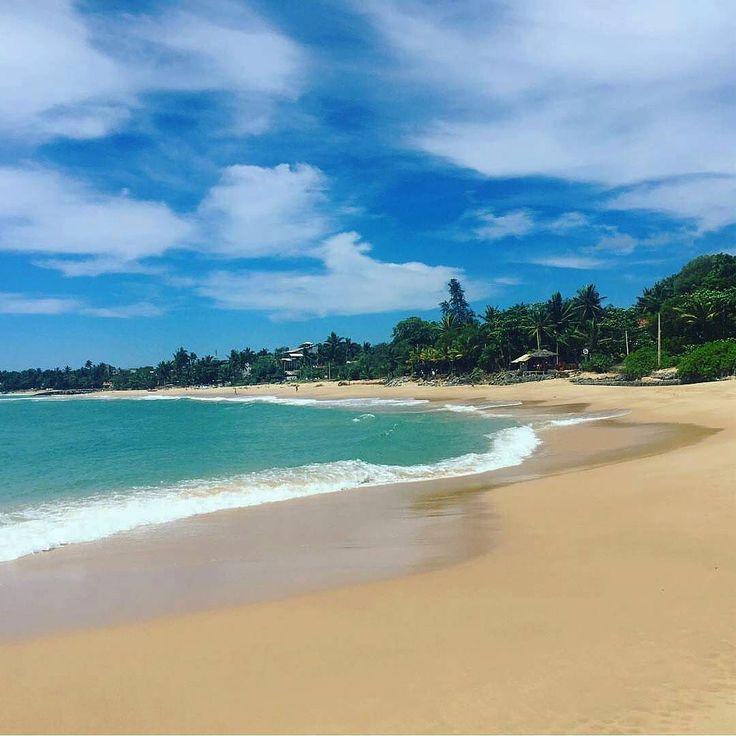 Beautiful view @tanglle beach - Sri Lanka.  Photo by @julesonjourney  #srilanka_excursion #daytours #excursions #beautifulphoto #naturelovers #beautifulsky #shorttrip #excursions #holidaytrip #trip #nextdestination #bestholiday #bestvacation #yoga #morning #wildlifephoto #wildlifephotography #safari #animallover #naturephotography #beachlife #tangllebeach #naturetour #wildlifeholidays