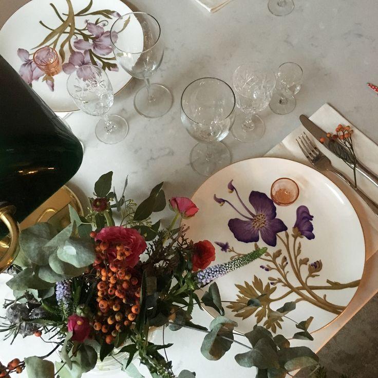 Royal Copenhagen flora. Christmas table, decoration. Helene Hammer