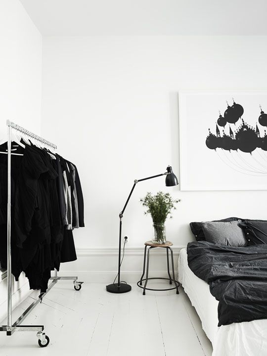 <3<3home-interior-Scandinavian-style-white-black-bed-room<3