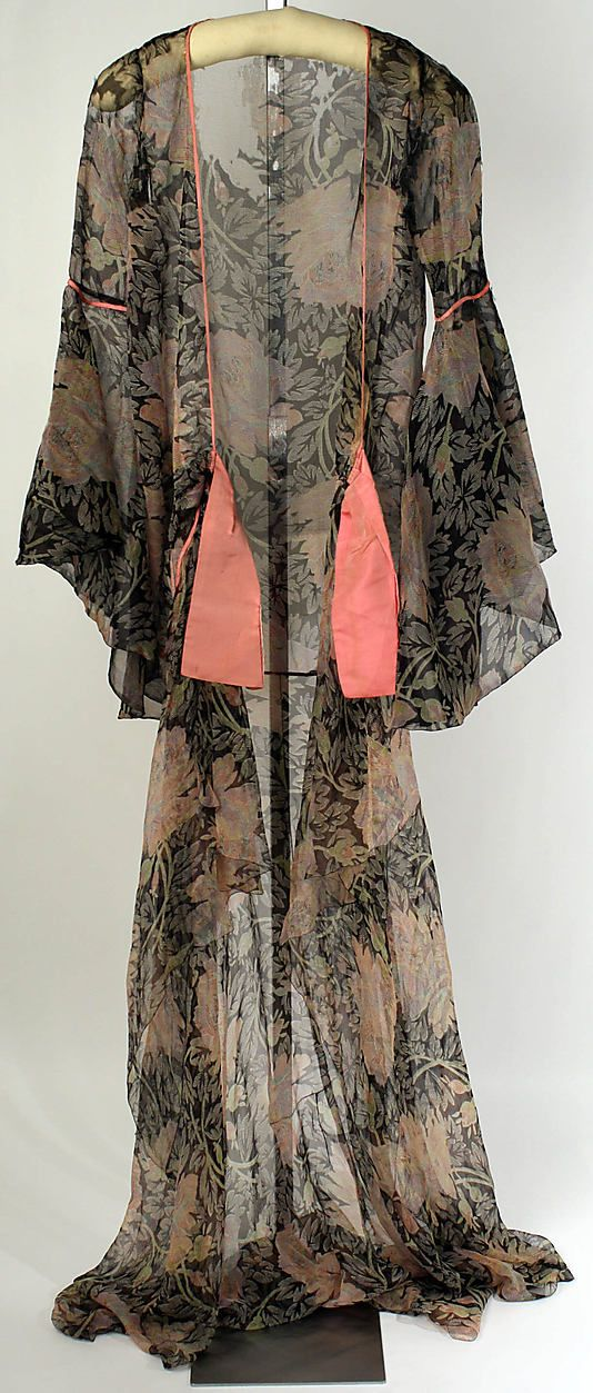 Dress (Tea Gown)  Jessie Franklin Turner  (American, 1881–ca. 1956)  Date: 1926 Culture: American Medium: silk