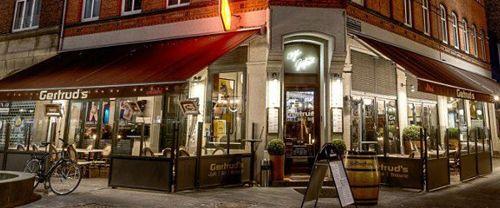 Café Gertrud Jernbanegade 8 5000 Odense C Tlf. 65 91 33 02 www.gertruds.dk/