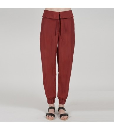add a relaxed pant to your outfit