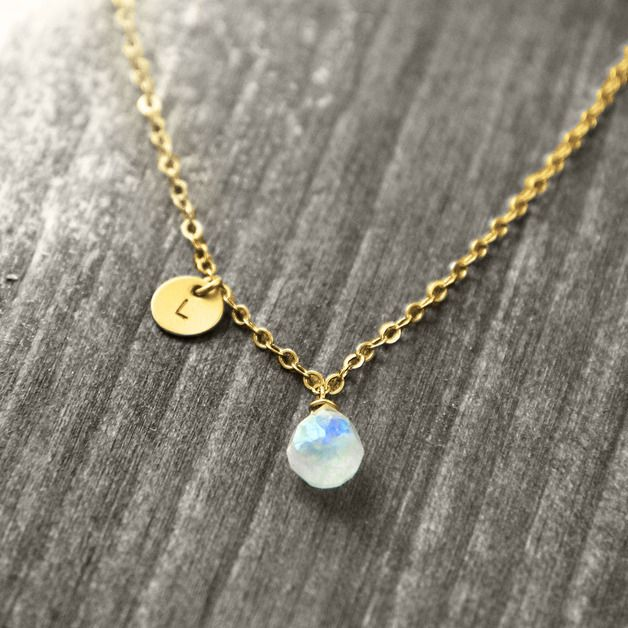 Wunderschöne, schlichte Kette mit Mondstein / beautiful necklace by koshikira via DaWanda.com