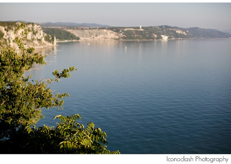 coast line in Duino, Italy, photo by Iconoclash Photography