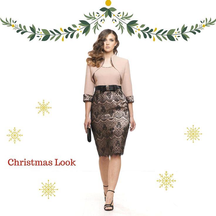 La nuova proposta per un #look perfetto da indossare durante le feste vede protagonista un delizioso #tubino bimateriale, color cipria con gonna rivestita di macramè nero. Completano il #look il giacchino abbinato e accessori in nero :-) #Christmastime #curvy #fashioncurvy