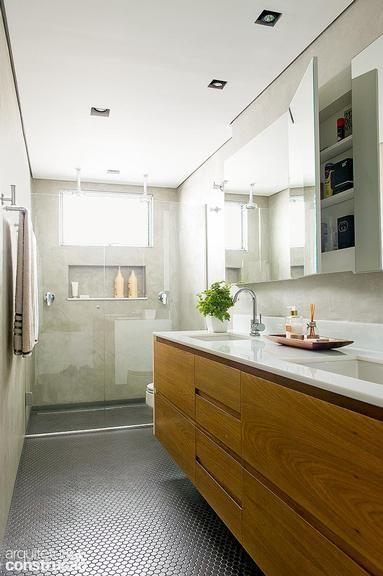 Ideias que ajudam na reforma, fazem o espaço render e ainda facilitam a limpeza diária dos banheiros