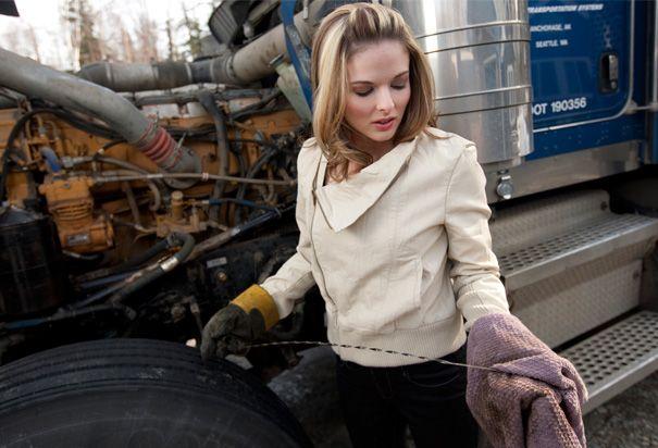 Lisa Kelly - Ice Road Truckers
