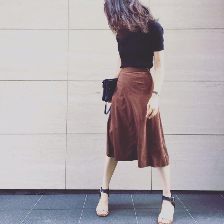 秋気分をひと足先に楽しめる! スエードスカートコーデを坪田あさみさんが提案-@BAILA ワタシを惹きつける。モノがうごく。リアルにひびく。BAILA公式サイト|HAPPY PLUS(ハピプラ)集英社