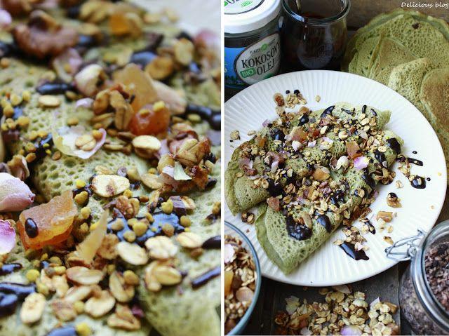 Delicious blog: Matcha palačinky s karobovou polevou a granolou