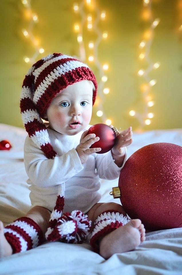 Baby Christmas Hat and Legwarmers, Baby's First Christmas, Baby Hat and Legging Set, Holiday Photo Prop, Christmas Photo Prop by SquishyCouture on Etsy