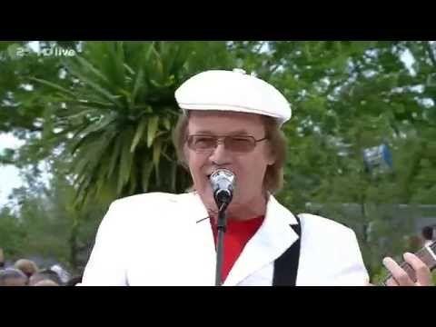 The Rubettes feat Alan Williams Sugar Baby Love ZDF Fernsehgarten 18 MAY 2014 - YouTube