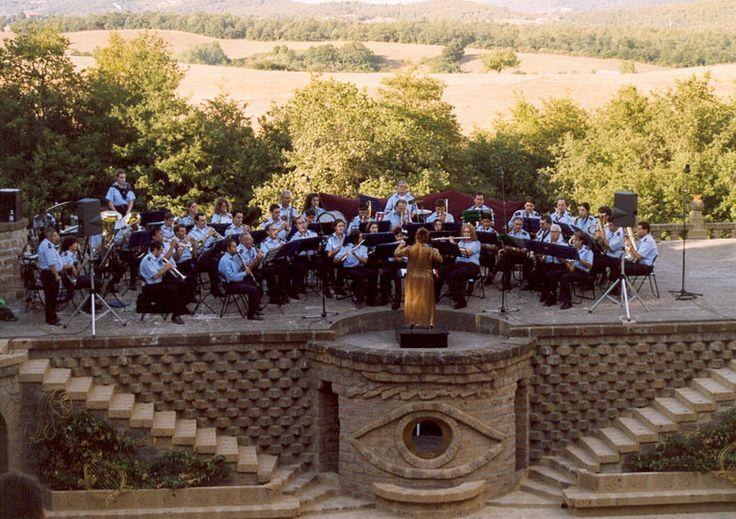File: Concerto Banda Musicale di Monteleone d'Orvieto alla Scarzuola.jpg