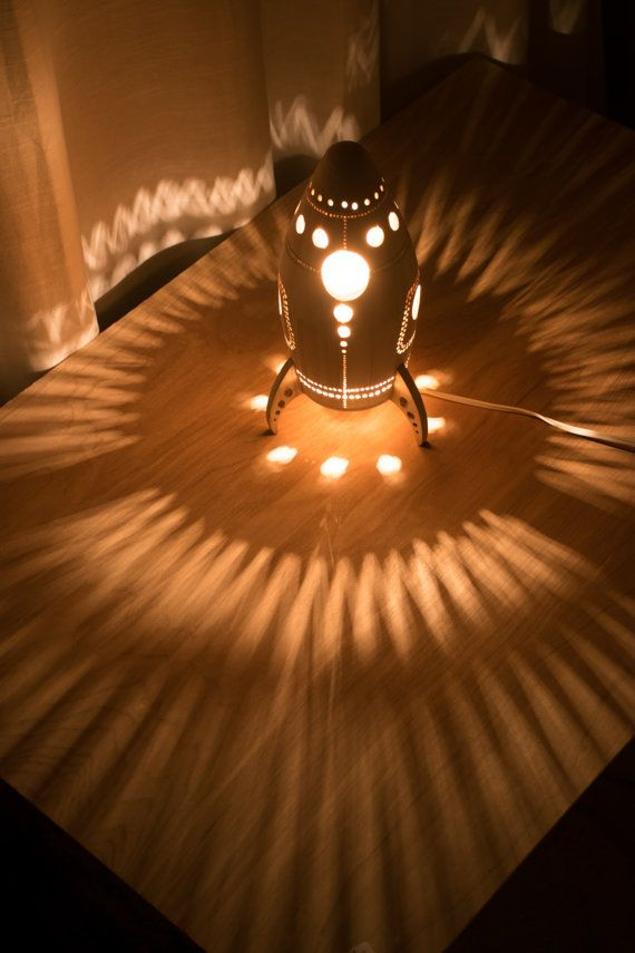 Houten raket-schip nachtlampje  hout kwekerij / door LightingBySara