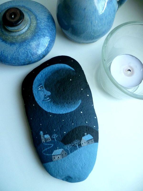 Měsíční+malba+akrylem+na+kameni+,+lakováno +14,5+x+8+cm