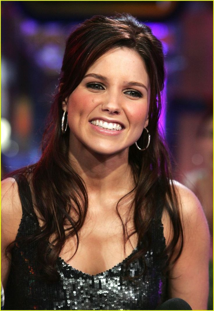 Hair Color Trends  2017/ 2018   Highlights :  Sophia Bush. she is so gorgeous has the prettiest smile and the coolest voice!